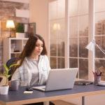 Trabalhar em casa e ser produtivo? Seu signo vai lhe ensinar como